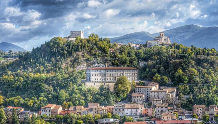 I Borghi più belli d'Italia e Sassoferrato, utilizziamo correttamente l'adesione all'associazione?